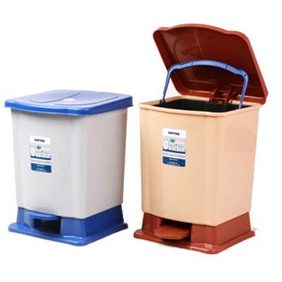 Tiện lợi hơn với thùng rác có đạp chân