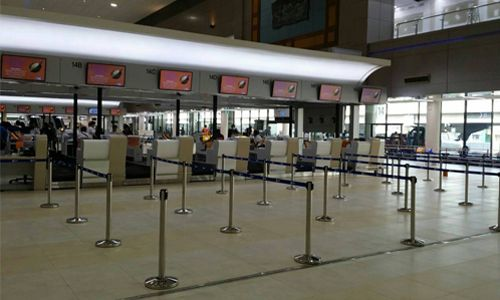 Cột chắn inox tại sân bay