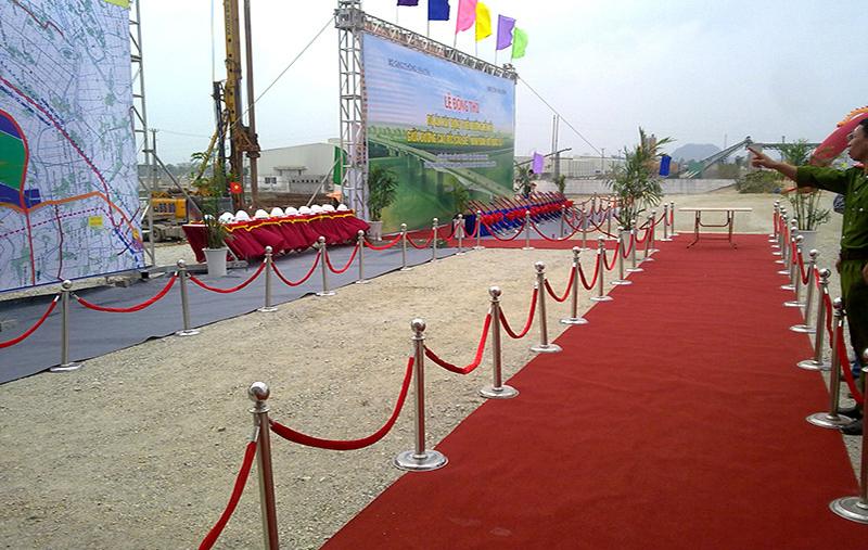 Cho thuê cột chắn inox tại Hà Nội