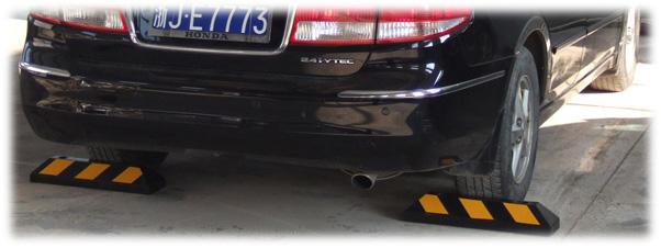 Cục chặn bánh xe- giải pháp an toàn cho dừng đỗ xe ô tô